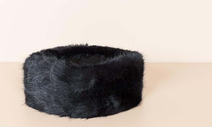 Soft Navy faux fur headband with a soft warm fleece lining.