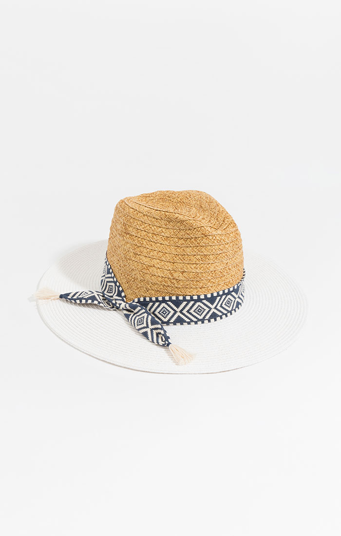 Straw hat, white brim and patterned band