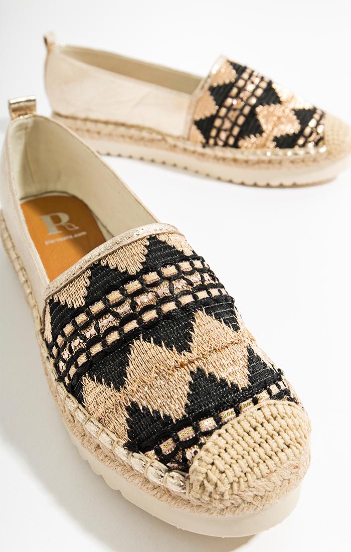 Ezra Shoe